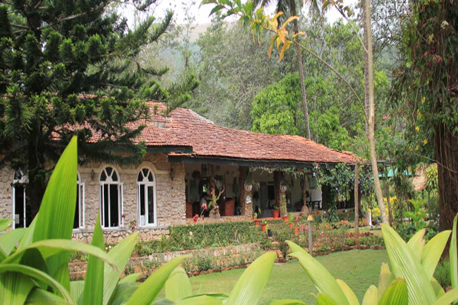 Plantation-Estate-Bungalow At Devala