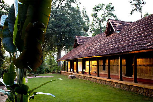 Traditional Estate Stay At Manjelparappu