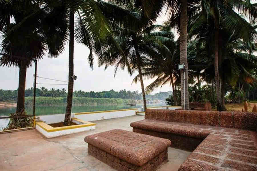 River deck at the Budget Resor Stay in Mudushedde