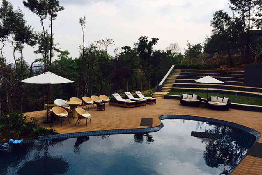 Swimming pool at the Coffee plantation Luxury resort at Chickmangaluru