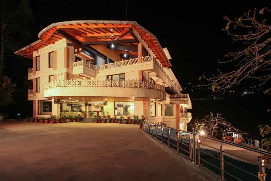 Charming Hill Resort in Bhimtal