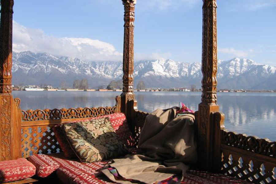 Sit out in Heritage Houseboat Stay At Nagin Lake