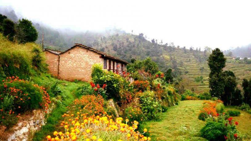 Charming Traditional Resort Near Binsar