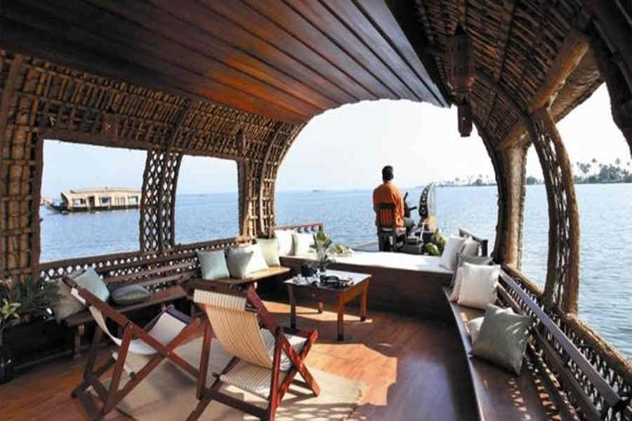 Sit out in the Tranquil Houseboat On Alleppy Backwaters