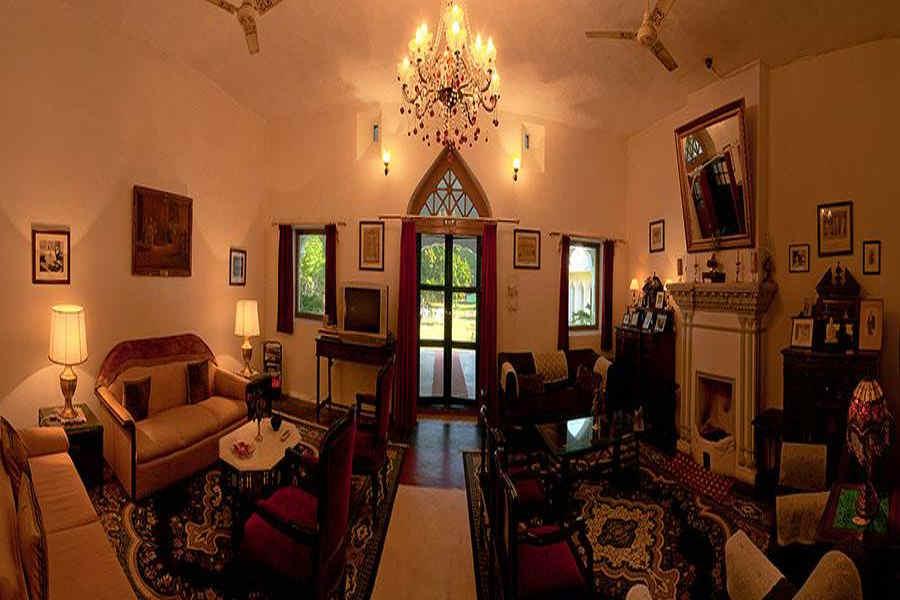 Selfroadiez luxurious heritage manor near bani selfroadiez for Heritage manor