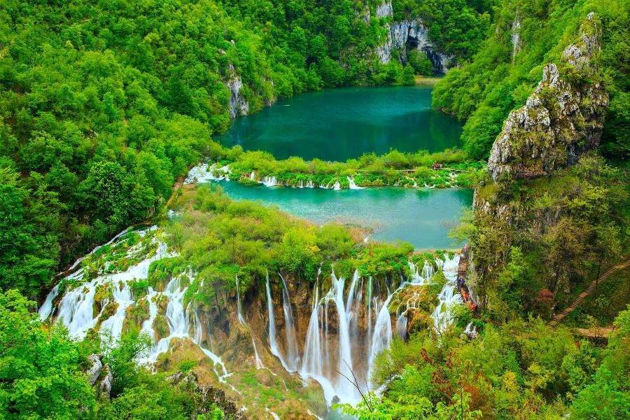 Plitvice-Lakes-National-Park_Croatia