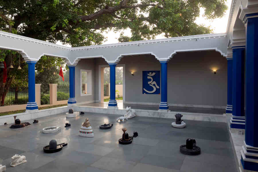 Shiva-Courtyard-at-the-Themed-Luxury-Resort-In-Varanasi