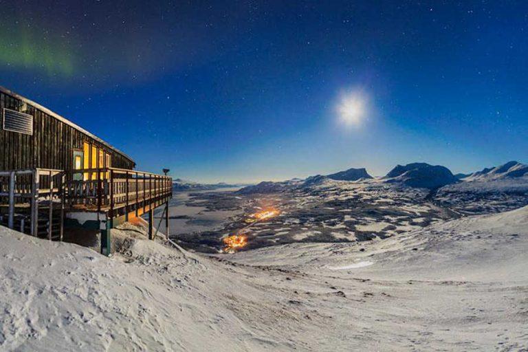 Sweden-lapland-abisko-sky-station-northern-lights