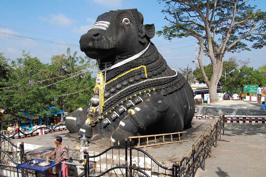 Nandi-statue-on-Chamundi-Hills-Mysore