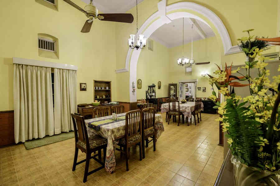 Dining Room at the Cosy Homestay In Allahabad