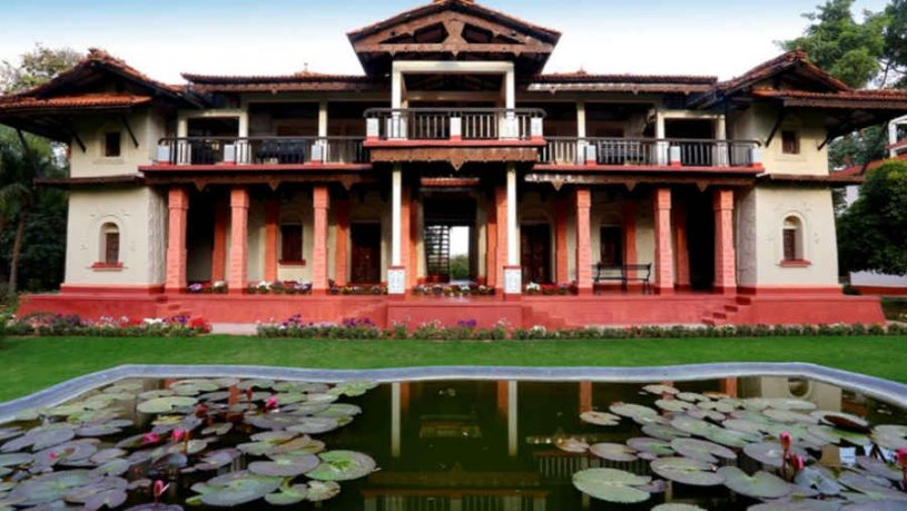 The Mud Villa at the Tranquil Heritage Stay In Shantiniketan