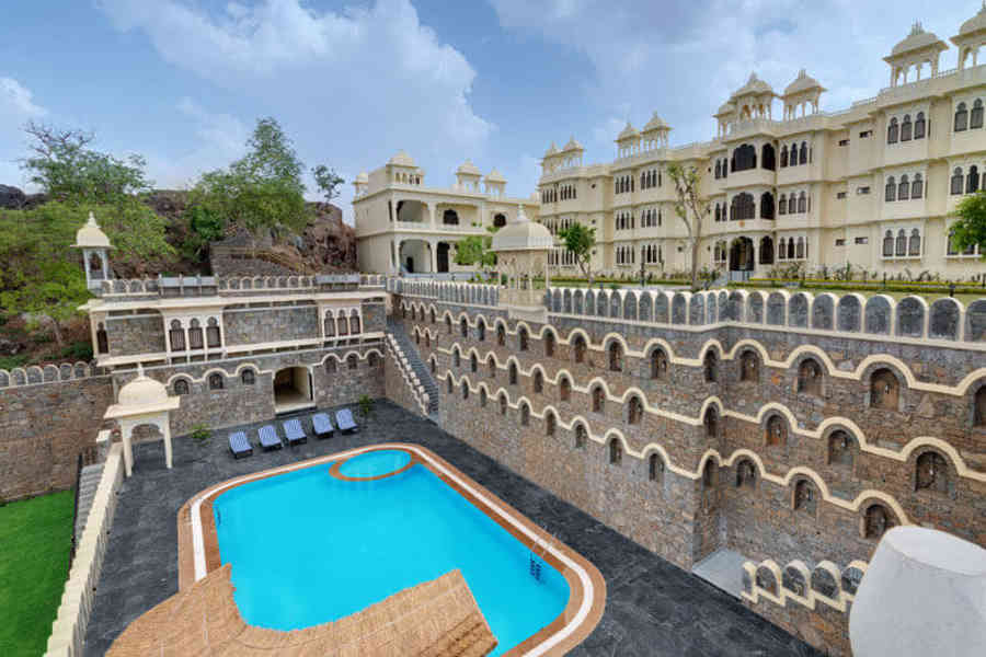 Swimming Pool at the Luxury Fort Stay In Kumbhalgargh