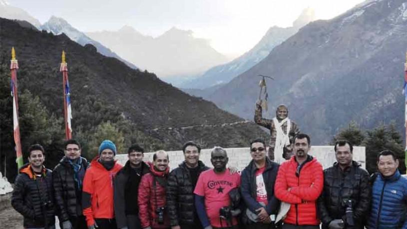 Himalayan trek travelers