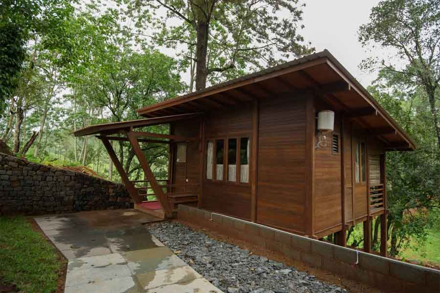 Quaint Tea Estate Bungalow _WoodenChalet