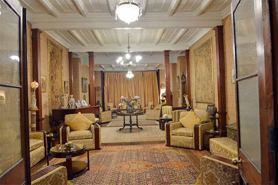 Living-Room-view-at-the-Luxury-Heritage-Hotel-at-Longwood-in-Shimla