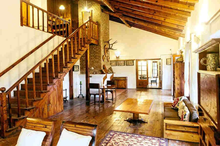 Living room of the Colonial Bungalow near Bhim Tal Lake