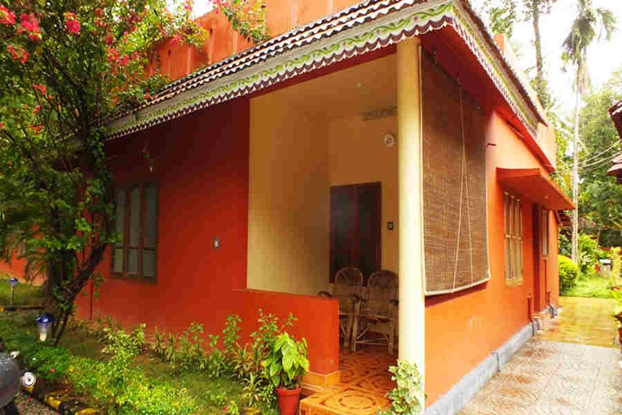Standard_cottage_at the Beach Resort at Kurakkanni