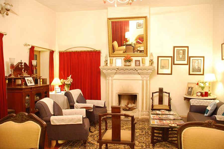 Lounge at Luxurious Heritage Manor Near Bani