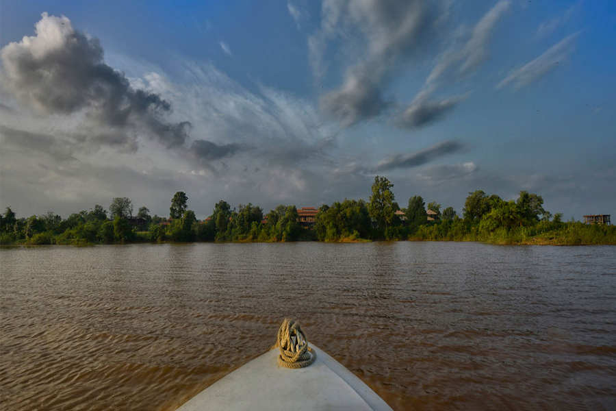 The Serene Retreat On The Denwa Backwaters