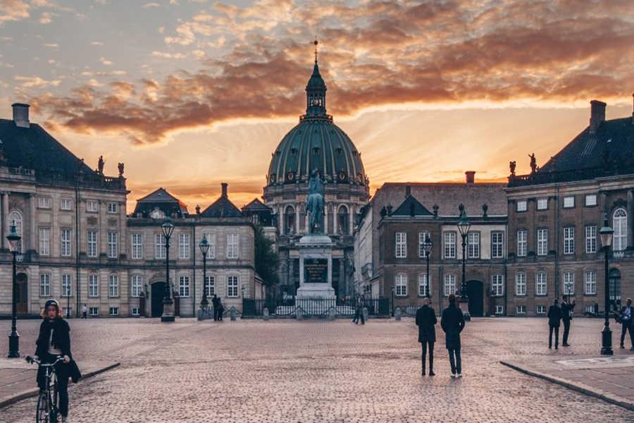 Amalienborg_sunset_Denmark