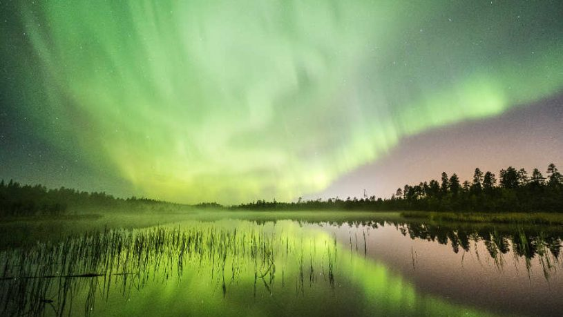 Green-Northern-lights-Rovaniemi-Autumn