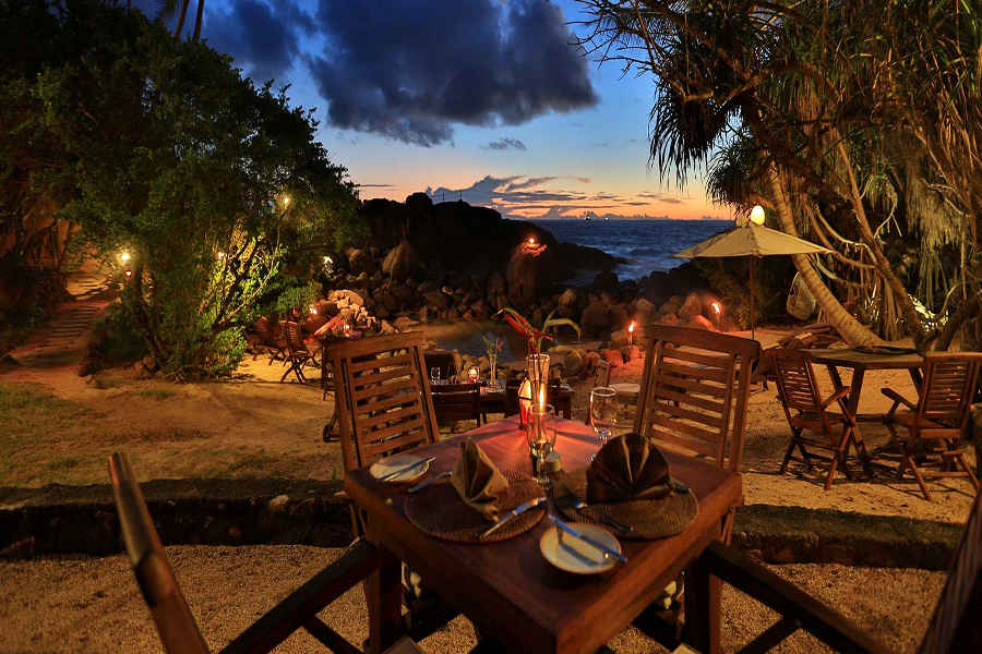 Outdoor dining at the Beach Resort and Spa In Unawatuna