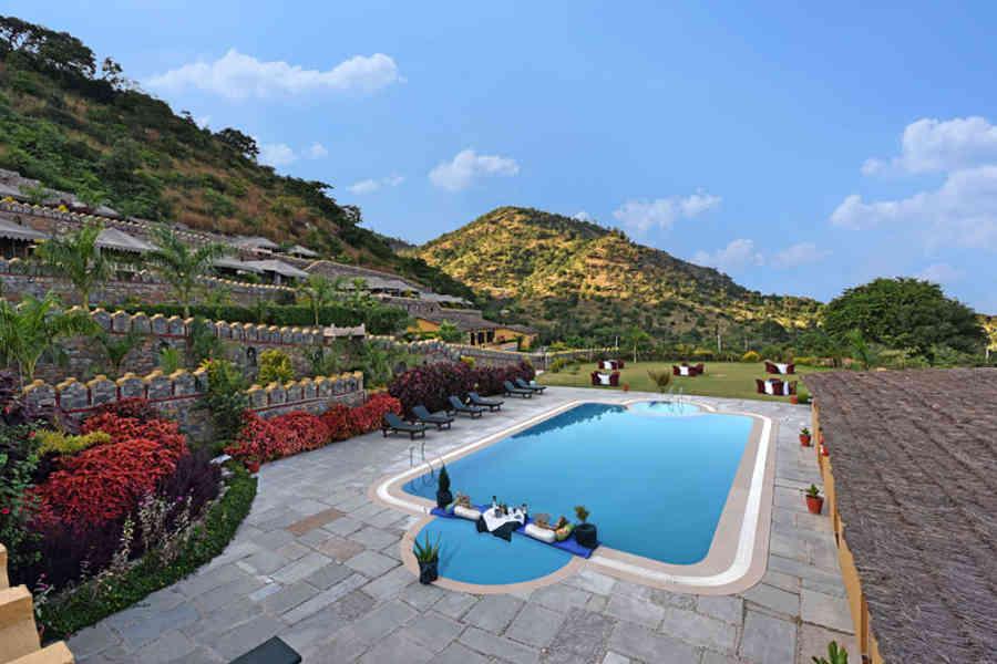 Swimming Pool at the Glamping In Kumbhalgargh